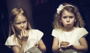 koszorús kislányok
