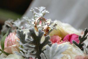 esküvői fotózás, esküvői csokor, jegygyűrű