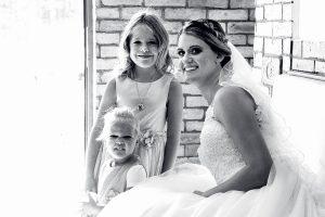 esküvői fotózás, menyasszony, gyerekek