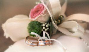 Esküvői gyűrű fotózása