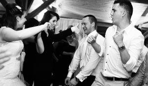 Vőlegény táncol