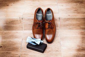 vőlegény cipője, kellékei